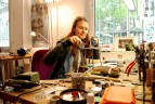 Nane Adam in ihrem Atelier