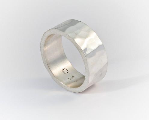 925er Silberring mit Hammerschlagtechnik - Preis: 135,-€