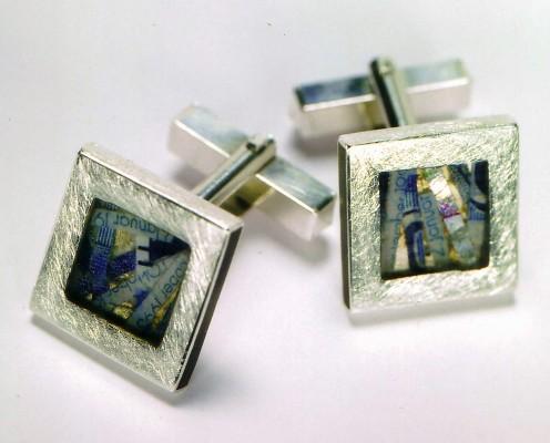 Manschettenknöpfe aus 925er Silber mit geschredderten Geldscheinen in Harz eingebettet - Preis: 155,-€