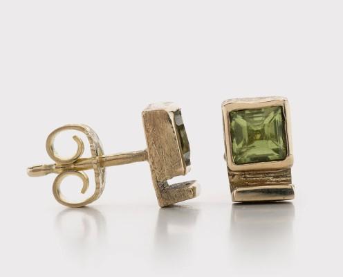 Ohrringe mit Peridot in 585er Gelbgold gefasst, gebürstet - Preis: 335,-€