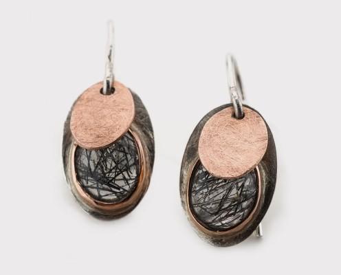 Ohrringe mit rutilen Quarzen mit 925er Silber und in 585er Rotgold gefasst, gebürstet - Preis: 295,-€